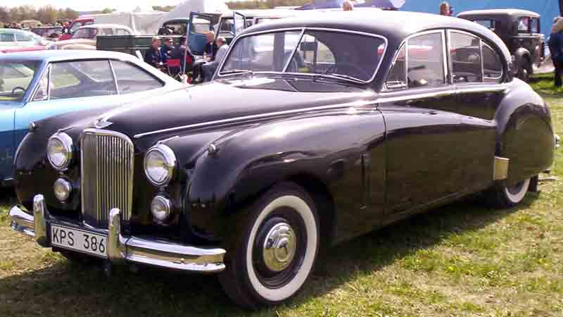 http://www.motorisumotori.it/wp-content/uploads/2011/03/Jaguar_Mark_VII_Saloon_19542.jpg