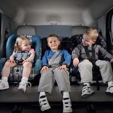 Norme auto per i piccoli: seggiolini per auto