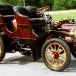 Le prime Cadillac con i fanali elettrici : tonneau e runabout