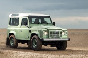 Land-Rover-Defender-Heritage-Edition[1]