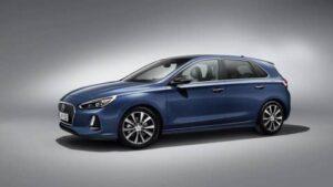 La Hyundai i30 si presenta