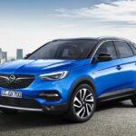 La Opel Grandland X si mostra in foto